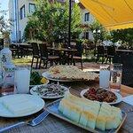Kebabs and Mezes Restaurant resmi