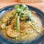 義大利麵跟燉飯味道都比較清淡,不過依然很美味。塔香青醬,九層塔味道滿濃的,非常香!
