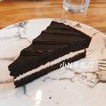 如果主餐搭配180元套餐,會有今日甜點,我當天吃到的是巧克力蛋糕,這個就比較普通。