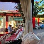 Fotografija – Lounge Bar Garden