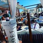 Foto de ÖSHUA Beach Lounge