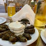 Another delicious dinner and dessert and Greek atmosphere here at Caneva restaurant. The Dolmades where perfect ✅