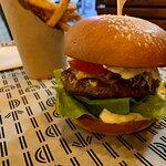 صورة فوتوغرافية لـ George Prime Burger