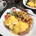 a perfect egg's benedict at the Whitetooth Mountain Bistro