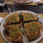 Eat Pizzeria resmi