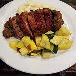 Foto Cattle 'n Clover Irish Pub and Steak House