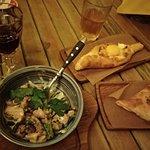 Ежевичное вино, орзу-морзу и хачапури