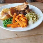 steak and ale pie with fresh veg