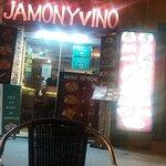 Fotografie: Jamon y vino