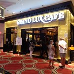 Grand Lux Cafe照片
