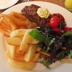 صورة فوتوغرافية لـ The Crown Hotel Restaurant