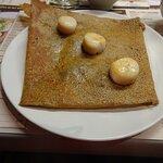 Crêpe de blé noir: St Jacques et champignons à la crème
