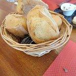 Corbeille de pain frais