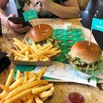 Zdjęcie Vedang - plant burger (Mall of Berlin)
