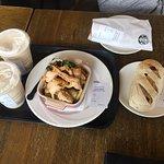 Photo de Starbucks - Xiangyang Fengyuan