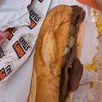 صورة فوتوغرافية لـ Geno's Steaks