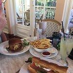 صورة فوتوغرافية لـ Poets Restaurant and Cafe & Main Street Gallery