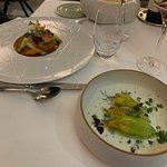 Fleurs de courgettes farcies à l'araignée de mer/ Foie-gras