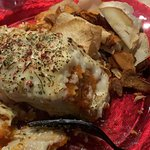 Lasagna con chips vegetales de bolsa. Desagradable
