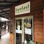 صورة فوتوغرافية لـ Livefast Lifestyle Cafe