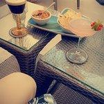 Espresso Martini and La Vie en Rose cocktail with Nachos