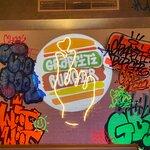 صورة فوتوغرافية لـ Graffiti Burger
