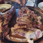 Chuleton de ternera, a 44 euros, pequeño y carne de calidad inferior.