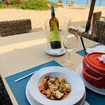 Arroz de peixe e vinha branco Barbusano da Madeira