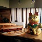 Σάντουιτς με Χωριάτικο Λουκάνικο - Village Sausage Sandwich