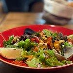 Салат из морепродуктов - хорош!