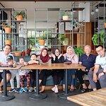 Foto Sierra Cafe & Lounge