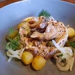 Салат мясной с груздями
