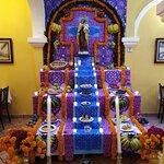 Me encanto que conservan las tradiciones, justamente a las 12 del día del 01 de noviembre ahumar
