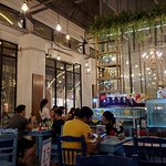 ภาพถ่ายของ Capri Restaurant & Bar At Asiatique River Front