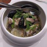 Filetto di rana pescatrice in guazzetto di cozze e vongole