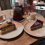 Торт по-киевски и фисташковый чизкейк с малиной