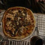 Pizza med olika sorters svamp