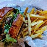 Zdjęcie Epic Cheeseburger Cafe