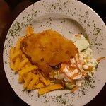 Mindre schnitzel ( barnportion) med pommes frittes.