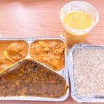 Curry des Tages mit Hähnchen & Mango-Lassie