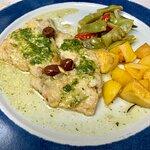 Taverna dell'Oca - PIATTI - Filetto di orata alla ligure: orata con pesto e olive, nulla di che