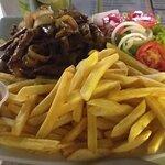 Porção iscas de carne e batata