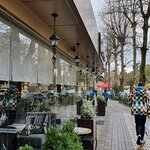 Вид кафе с улицы