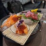 Sashimi. Väldigt gott och fräscht.