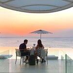 ภาพถ่ายของ The Oceanfront Restaurant and Bar at Kata Rocks
