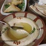 Hummus y pan
