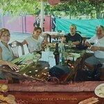 Yo soy Victor el de la derecha, a la Izquierda Silvina, mi señora y a mi derecha mi gran amigo G