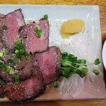 おつまみ牛たたき(800円)