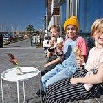 Bild från Limhamns glassmejeri