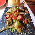 Alcachofas con torreznos